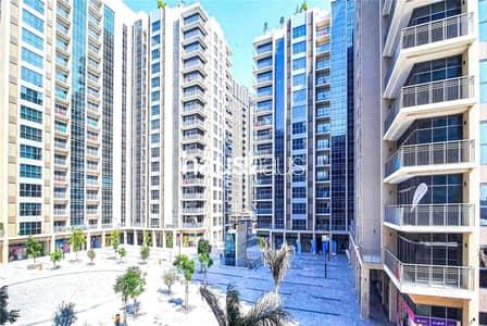 Shop for Rent in Deira, Dubai - Kiosk | Metro | High Footfall | All Inclusive