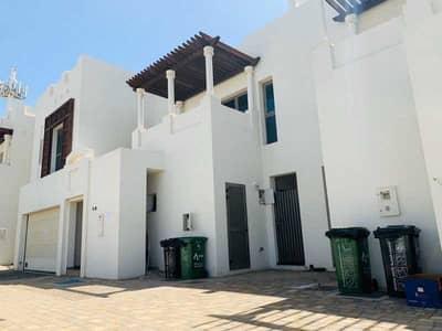 فیلا 4 غرف نوم للبيع في البطين، أبوظبي - Lovely Family Villa in Exclusive Community!