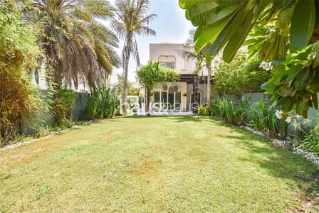 3 Bedroom Villa for Sale in The Springs, Dubai - Lake Backing   Vacant On Transfer   Fully Upgraded