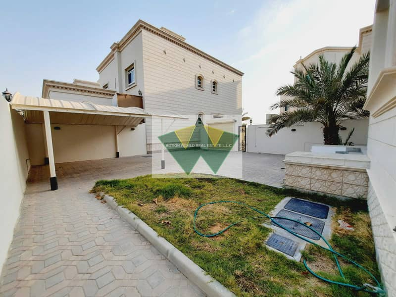 2 Well Maintained  5 M-Br Villa | Private Garden | Nice Yard