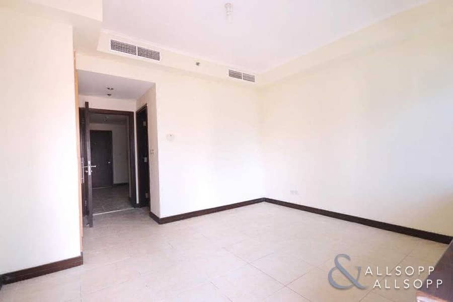 9 2 Bed   Lake View   Balcony   Unfurnished