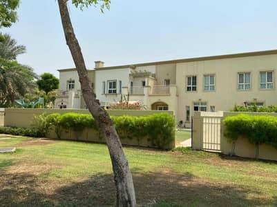 فیلا 3 غرف نوم للايجار في الينابيع، دبي - فیلا في الينابيع 2 الينابيع 3 غرف 135000 درهم - 5309395