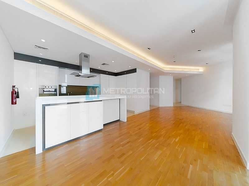 Perfectly Maintained| Spacious| Vacant on Transfer