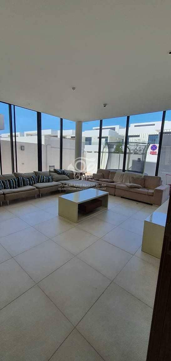 2 Amazing & Spacious Five Bedrooms Villa