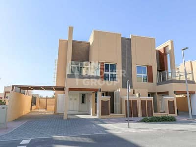 3 Bedroom Villa for Sale in Dubai Science Park, Dubai - A Walk To The Park   Vastu   3S4   Single Row