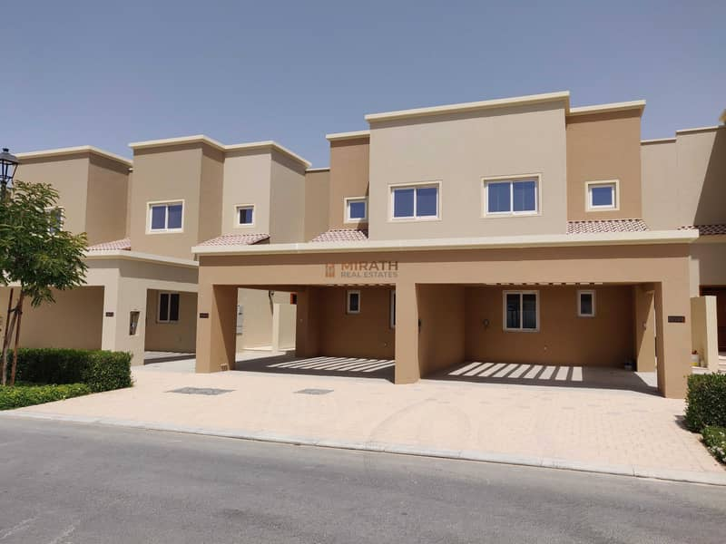 SINGLE ROW | CLOSE TO POOL | LANDSCAPED GARDEN