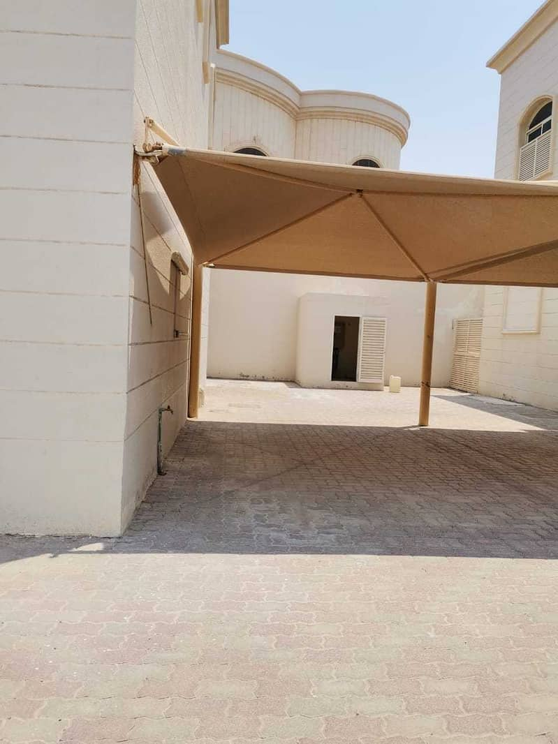 HUGEB 6BHK VILLA WITH MAID ROOM AND HUGE YARD AND SHADED PARKING