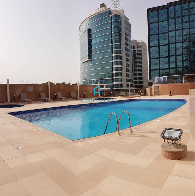 13 3 bedrooms + store Duplex I Chiller Free I Beautiful