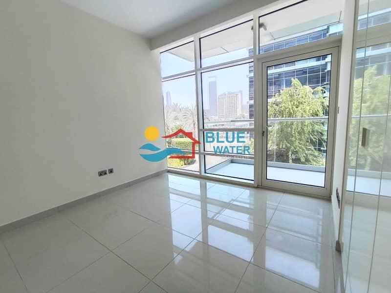 30 Stunning 3 BHK |Duplex | Sea View
