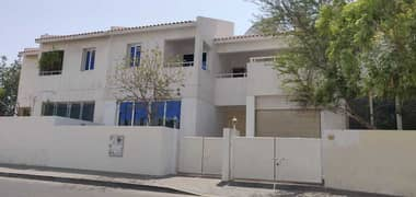 SPACIOUS 04 B/R VILLA | HIGH QUALITY | PVT ENTRANCE PVT PARKING | ONE MONTH FREE