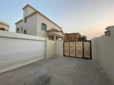 فیلا 7 غرف نوم للايجار في مدينة محمد بن زايد، أبوظبي - فیلا في المنطقة 3 مدينة محمد بن زايد 7 غرف 145000 درهم - 5313931