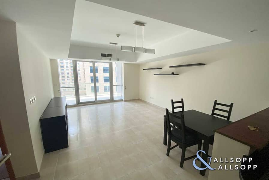 2 Exclusive | 1 Bed | Vacant | 926 Sq. Ft.