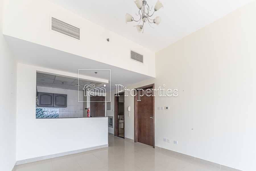 2 Beautiful Open View - Very Well Maintained
