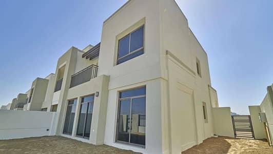 تاون هاوس 4 غرف نوم للايجار في تاون سكوير، دبي - End Unit Single Row Dessert View