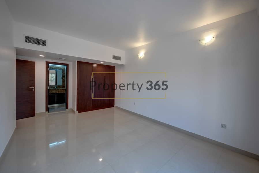 8 Private Garden / 3 Bedrooms plus Maid`s / 7 min from Jumeirah Beach