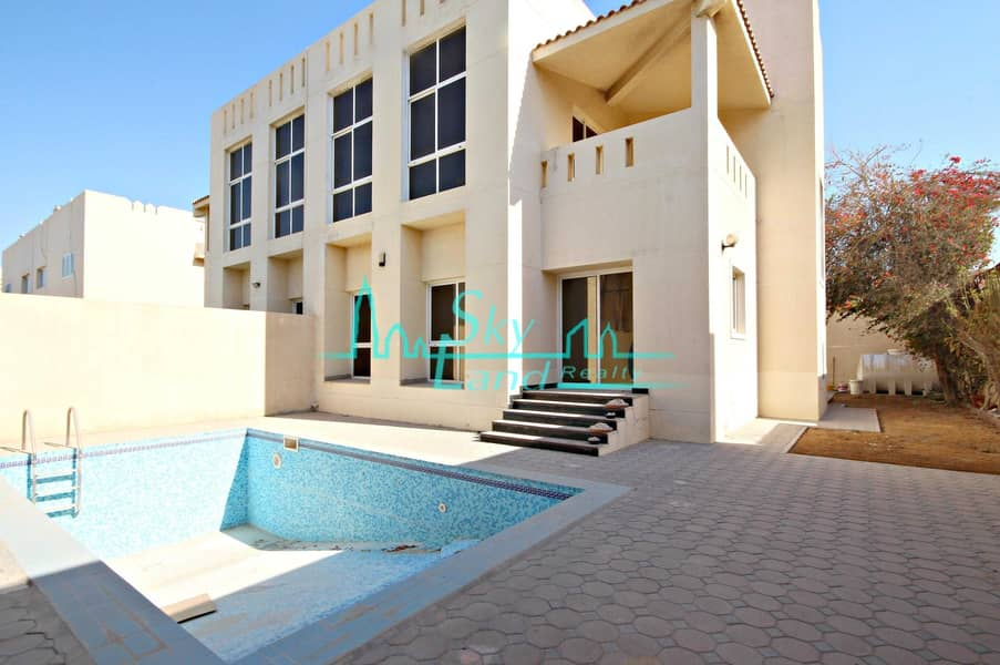 Beautiful 4 Bed+M Villa With A Private Pool