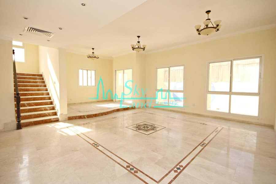 2 Beautiful 4 Bed+M Villa With A Private Pool