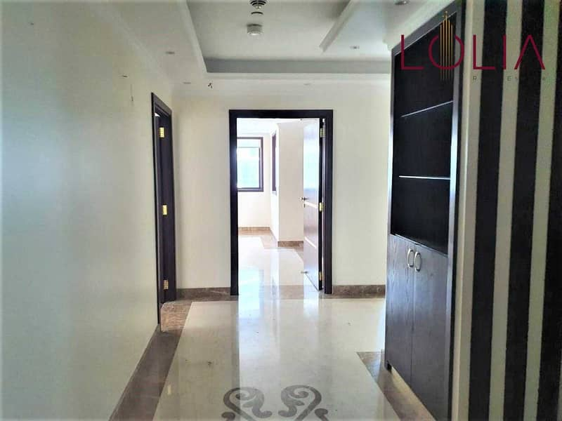 2 Fitted Office   Close to Metro    Ready to move