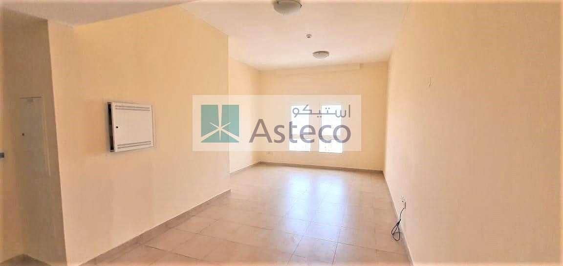 2 Inner Circle |Spacious| Closed Kitchen