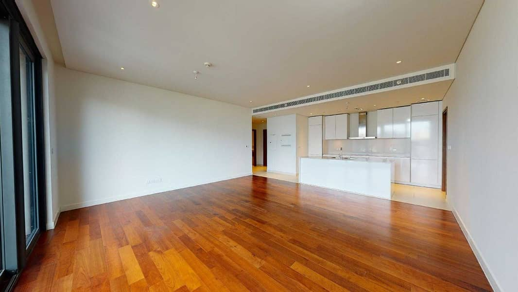 No commission | Wooden floor | Visit with your phone