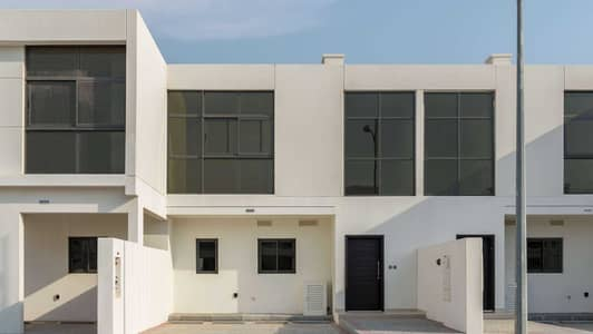 3 Bedroom Townhouse for Rent in DAMAC Hills 2 (Akoya Oxygen), Dubai - Perfectly located three bedroom single row Home