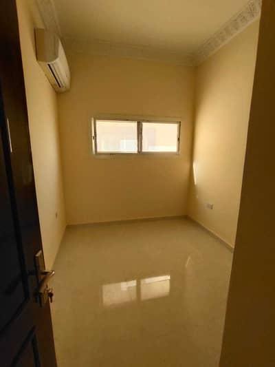 فیلا 4 غرف نوم للايجار في مدينة محمد بن زايد، أبوظبي - فیلا في المنطقة 2 مدينة محمد بن زايد 4 غرف 100000 درهم - 5316901