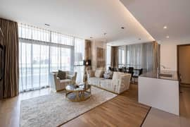 Luxurious Living   High Quality Finished