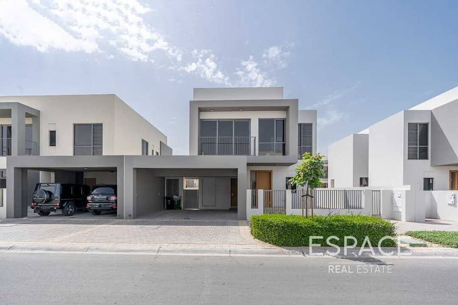 11 EXCLUSIVE Type E1 3 Bedrooms Motivated seller