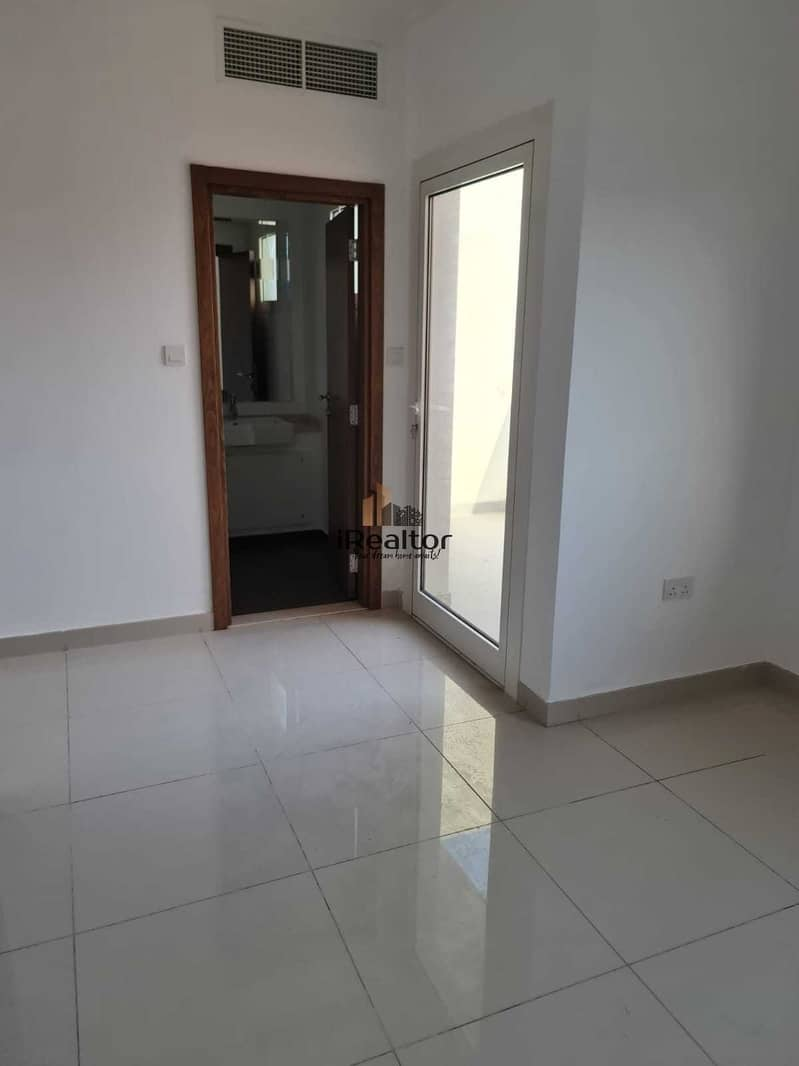 10 Own This 3 Bed+Maids With Garden At Best Rate