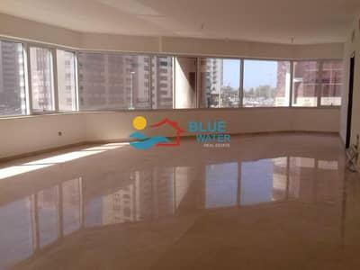 شقة 4 غرف نوم للايجار في منطقة النادي السياحي، أبوظبي - 4 BR With Balcony and Maid Room in TCA