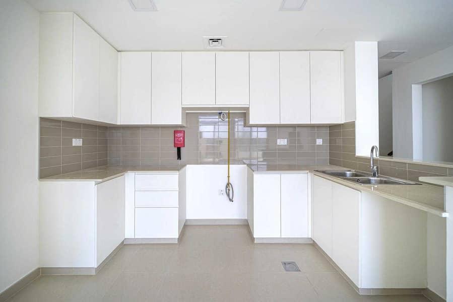 2 Single row | Island kitchen | Next to Pool & Park