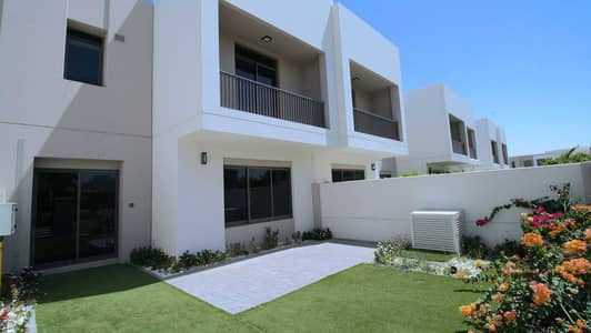 3 Bedroom Townhouse for Sale in Town Square, Dubai - Vacant-on-Transfer Type 2 Close to Facilities