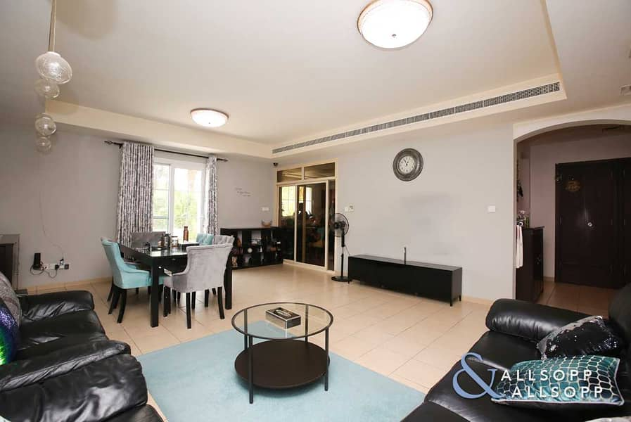 3 Bedrooms | Single Row | Close To park