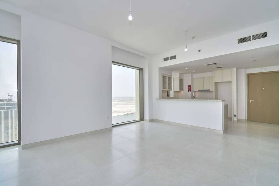 Brand New   Ready to Move in   Mid Floor