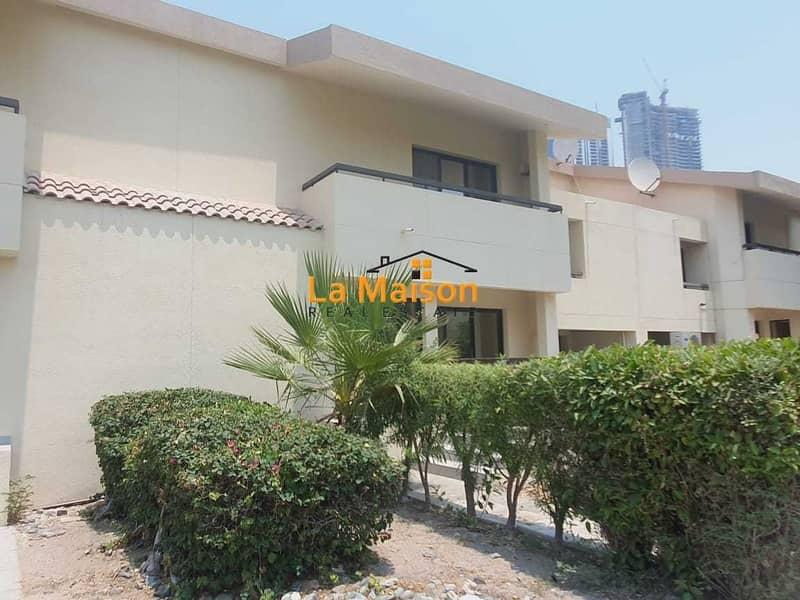 compound 4bhk villa in jumeirah 3 rent is  165k