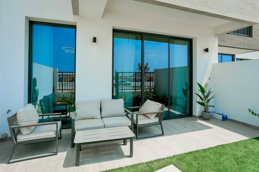Spacious Townhouse | Waterfront Community | 5% Downpayment