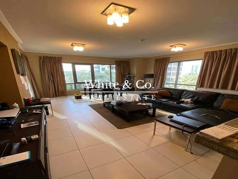 2 BURJ VIEWS / LOWER FLOOR / FULLY FITTED KITCHEN