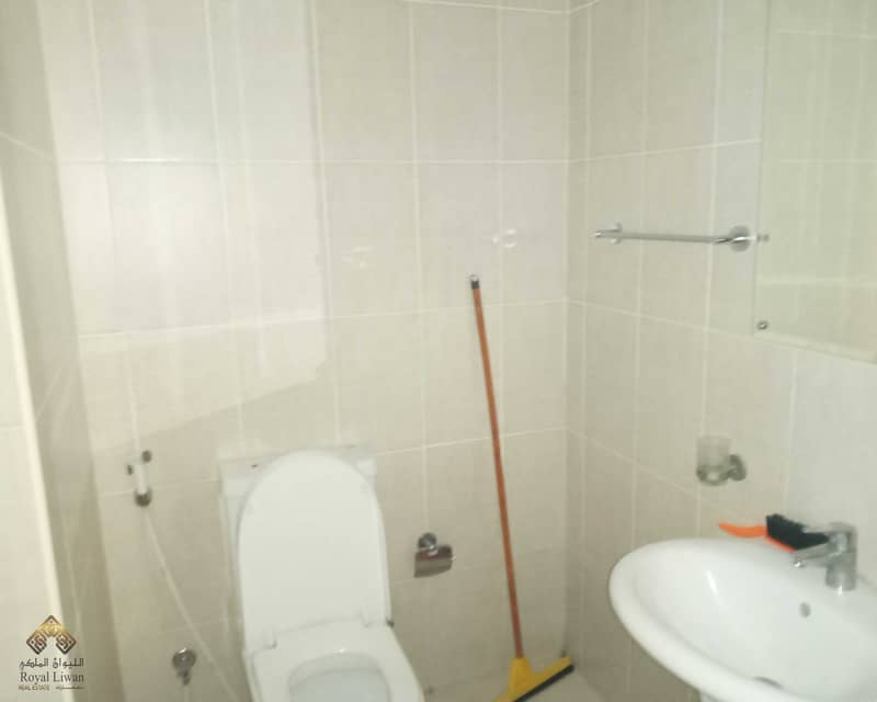 13 One Bed room Room available for Sale  in Green Park Building