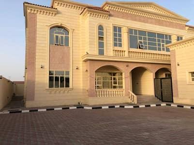 5 Bedroom Villa for Rent in Zakher, Al Ain - Beautiful Specious Semi deteched Duplex Villa