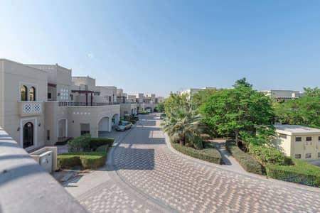 تاون هاوس 4 غرف نوم للبيع في مدن، دبي - Spacious Four-Bed in an Ideal Location.