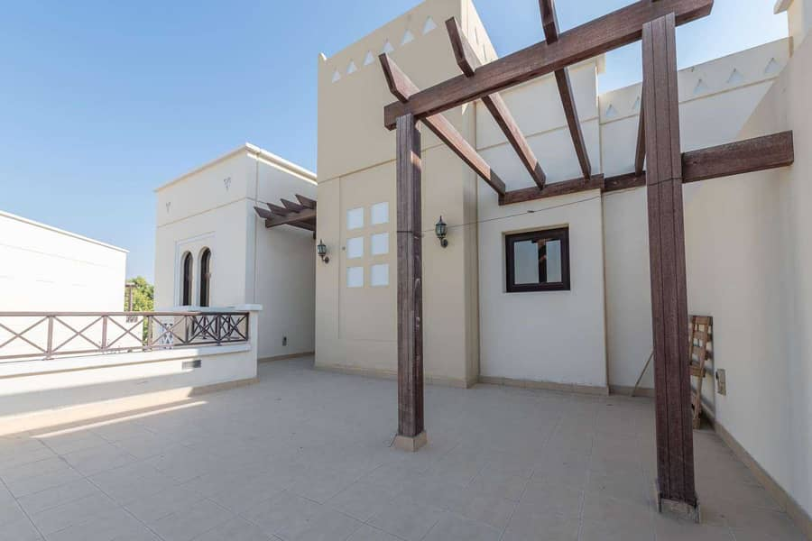 24 Spacious Four-Bed in an Ideal Location.