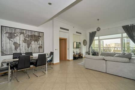 3 Bedroom Flat for Sale in Palm Jumeirah, Dubai - Penthouse Level with Partial Sea View on the Palm