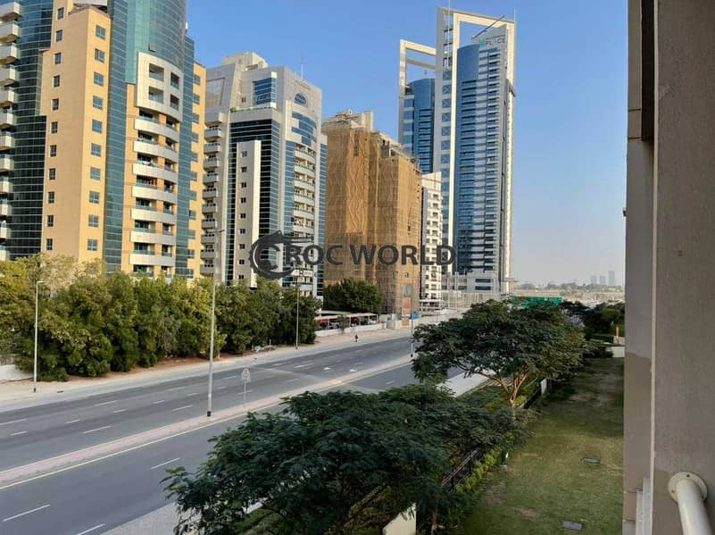 8 Tecom View | Chiller Free | Well Maintained