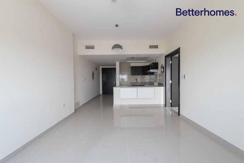 2 Modern Layout   Great Location   Bright & Spacious
