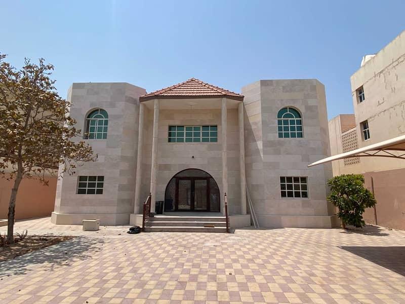 Two-storey five-bedrooms villa in Al-Azra