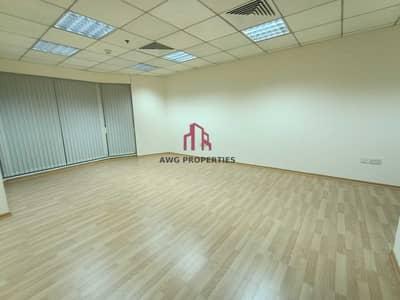 مکتب  للايجار في شارع الشيخ زايد، دبي - Fitted Office w/ Partitions | Near Metro | Premium Building