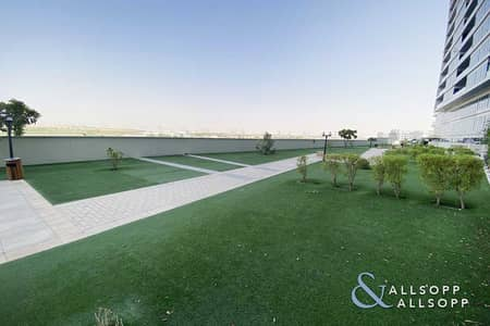2 Bedroom Apartment for Sale in Dubai Residence Complex, Dubai - 2 Bed | Vacant On Transfer | Large Terrace