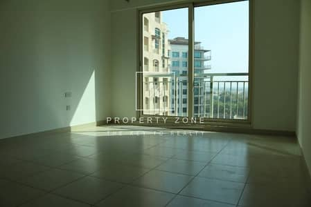 Full Golf + Canal Facing 2 BR in Mosela