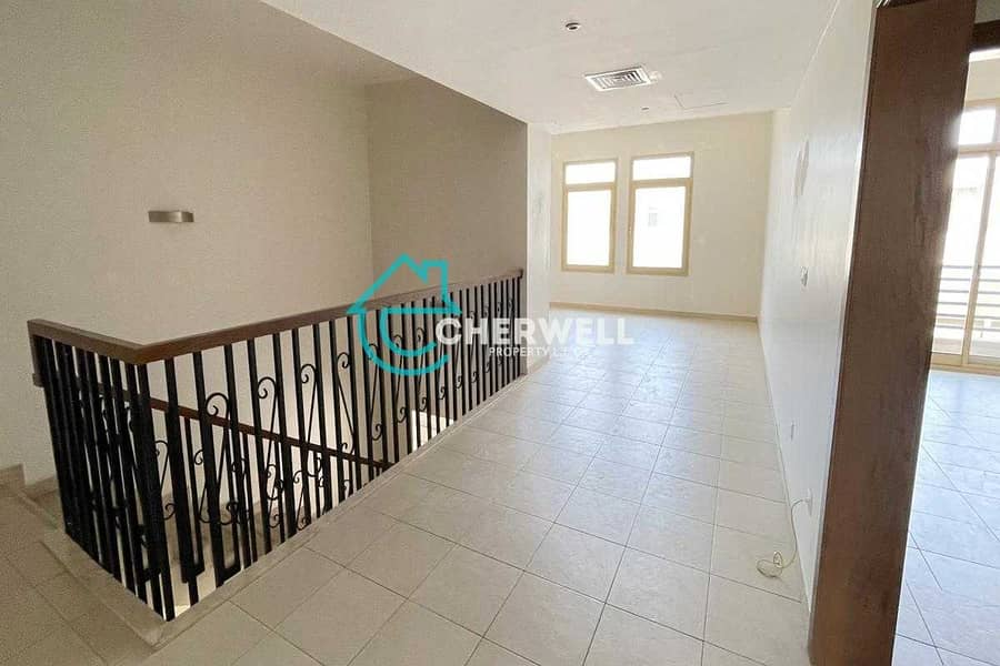 10 Fabulous 4BR Townhouse | Perfect for your Family