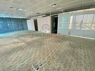 مکتب  للايجار في أبراج بحيرات الجميرا، دبي - Open Layout | Closed to Metro | Lake View